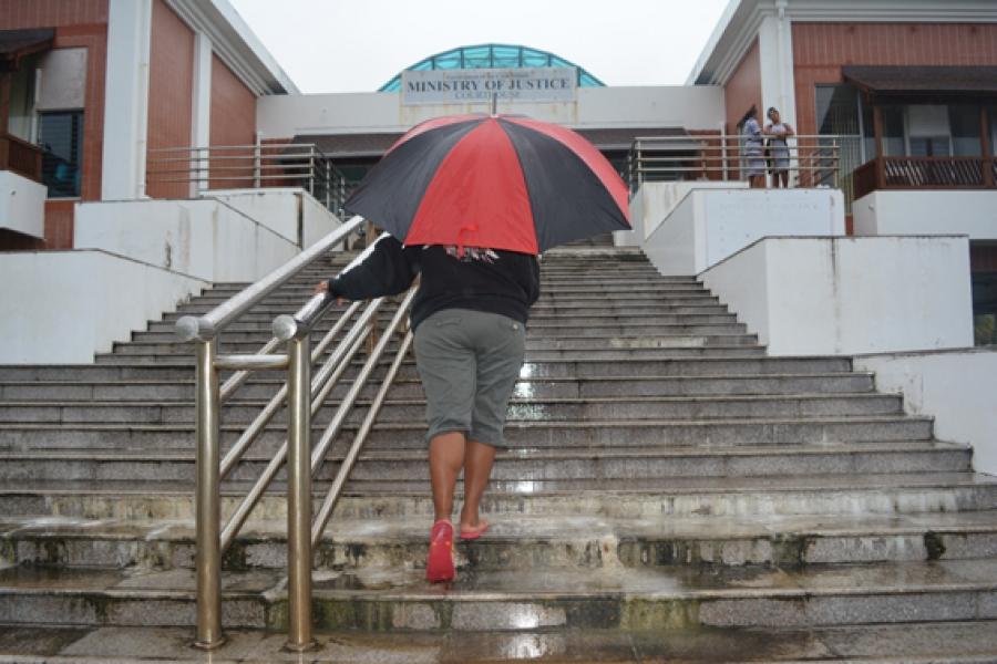 Courthouse steps put lives in danger