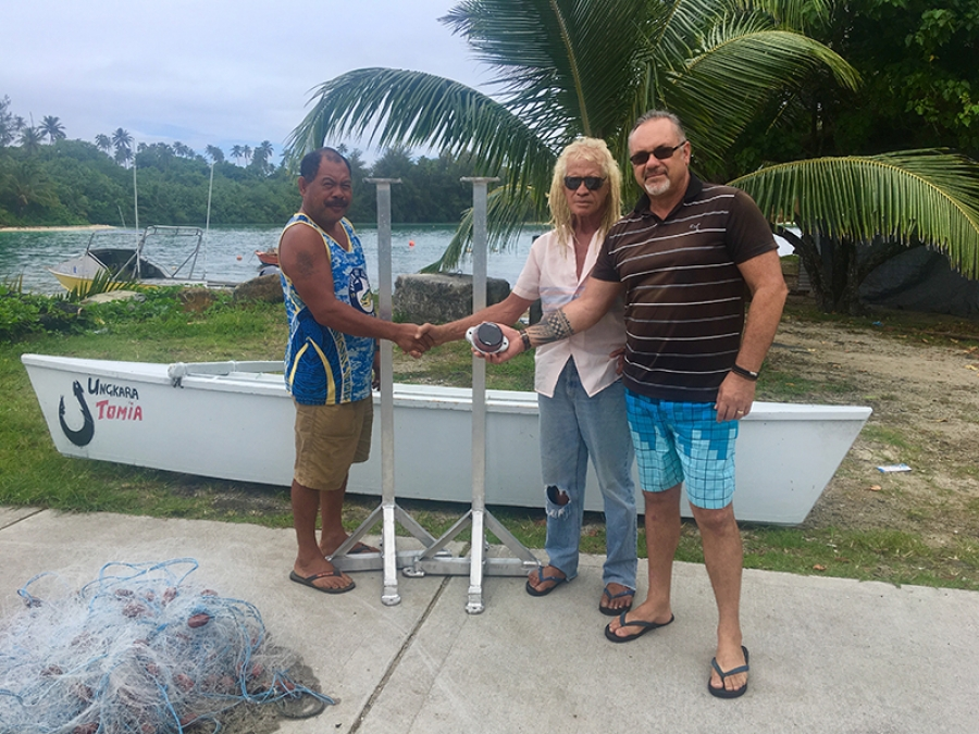 Beacon lights gift for Mitiaro wharf
