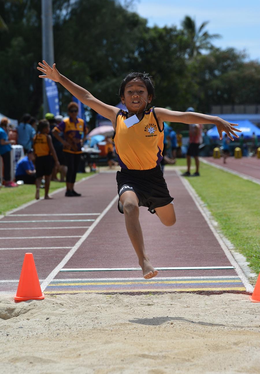 Apii Avarua retains athletics title