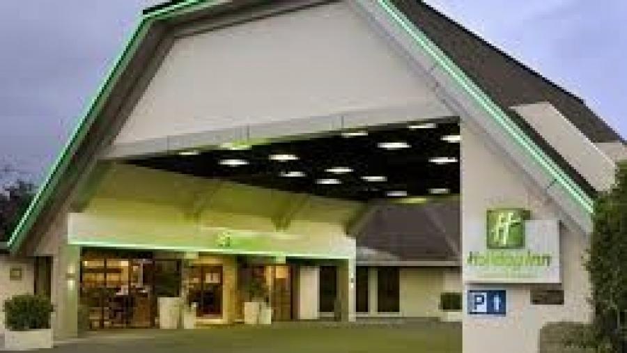 Diplomats warn Cook Islanders in NZ against travelling to quarantine hotel