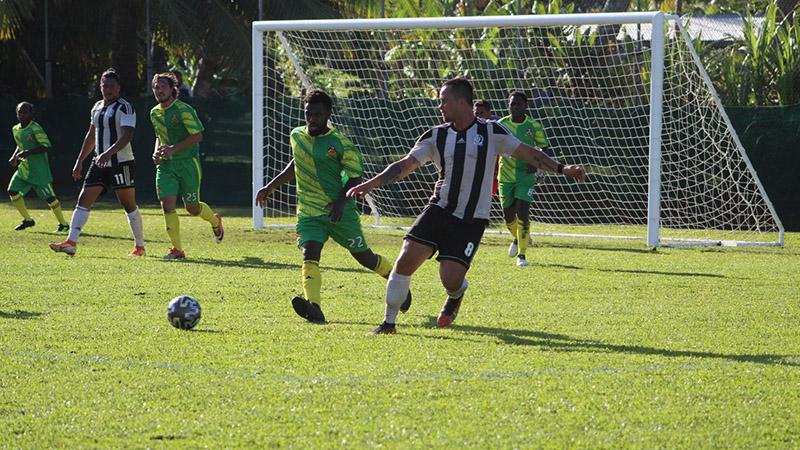 Tupapa, Puaikura claim football titles