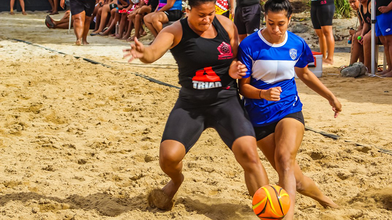 Crunch time at beach soccer