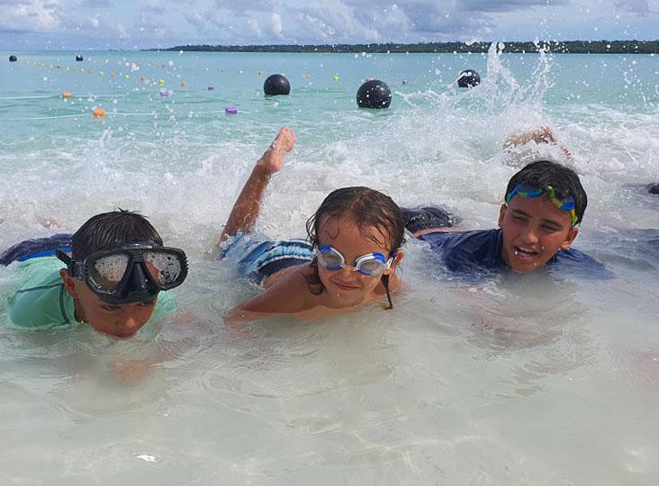 Kids 'Learn to Swim' in Aitutaki
