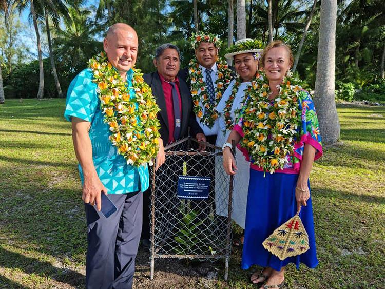 PM Brown gets big welcome in Nukuroa