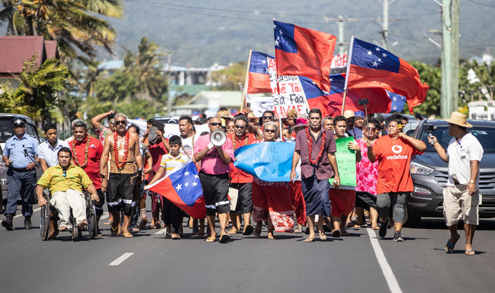 Hundreds march in support of Samoan judiciary