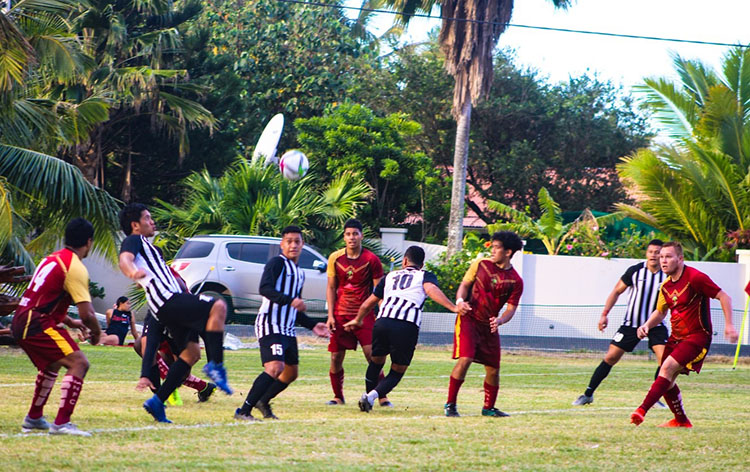 Tupapa, Nikao win football opener