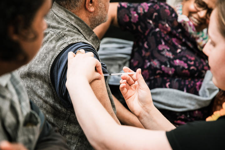 Community leaders say NZ govt's vaccine rollout plan is not working for Pasifika